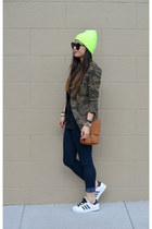 camo Zara jacket - Forever 21 jeans - willis coach bag - sneakers
