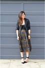 H-m-blazer-thrifted-skirt-aritzia-top-zara-heels