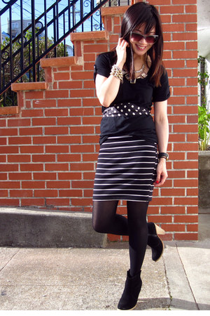 asos boots - f21 sunglasses - f21 skirt - JCrew accessories - lucky t-shirt