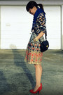 Printed-h-m-shirt-printed-anthropologie-skirt-red-gap-heels
