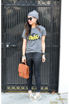 batkid Kid Monarch t-shirt - beanie H&M hat - willis coach bag