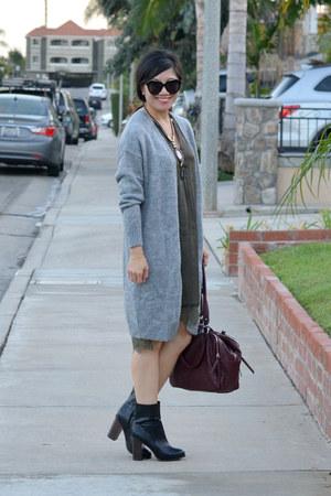 vintage sweater - H&M boots - H&M dress - Forever 21 bag