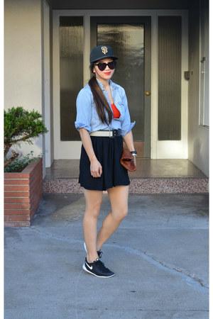 baseball SF Giants hat - H&M Kids shirt - Clare Vivier bag