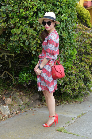 Celia Birtwell x Uniqlo dress - panama H&M hat - tory burch bag