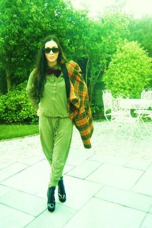 black lace up Carvela boots - tarten Topsop blazer - wayfarer vintage sunglasses