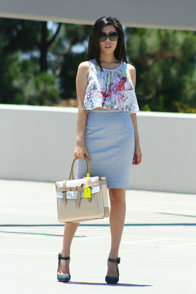 blue LAMB heels - tan leather Reed Krakoff bag - black Chanel sunglasses