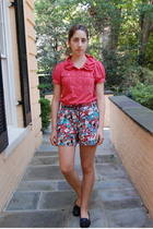 red polo Marc by Marc Jacobs shirt - blue flower print Topshop shorts
