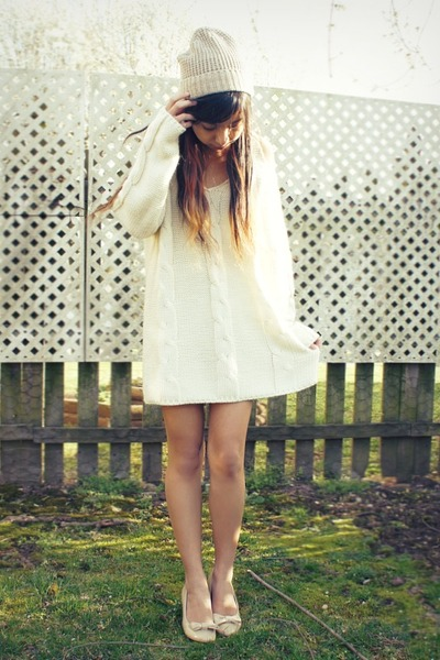cream Sheinside sweater - beige Urban Outfitters hat - nude Forever 21 heels