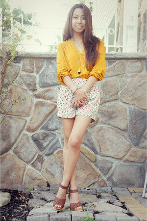 mustard chicnova blouse - ivory Forever 21 shorts - black rire boutique necklace