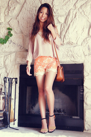 carrot orange lace PERSUNMALL shorts - gold triangle Nasty Gal necklace