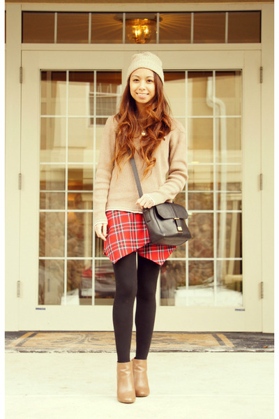 black leather Marc by Marc Jacobs bag - red tartan OMGFashion skirt