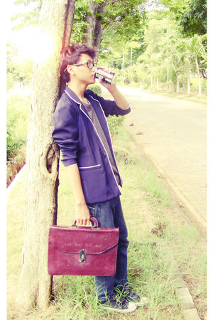 violet blazer - dark gray jeans - ruby red bag - heather gray t-shirt