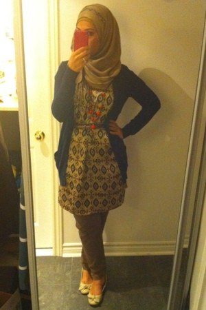 bronze dress - navy cardigan - light brown pants