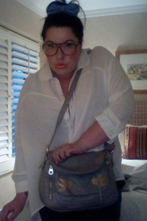 love birds Marc Jacobs purse - H&M blouse - my new faves thrifted vintage glasse
