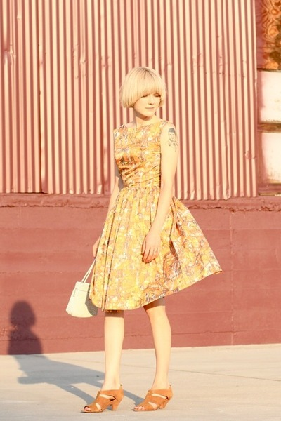 vintage purse - TenOverSix shoes - gold vintage dress