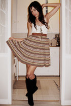 beige vintage top - brown vintage skirt - brown vintage belt - gold vintage neck
