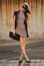 Tan-fom-dress-black-fom-blazer-black-st-laurent-heels