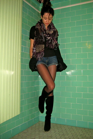 black vintage boots - black Urban Outfitters shirt