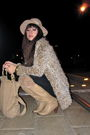 Beige-vintage-boots-black-city-of-dolls-top-beige-vintage-jacket