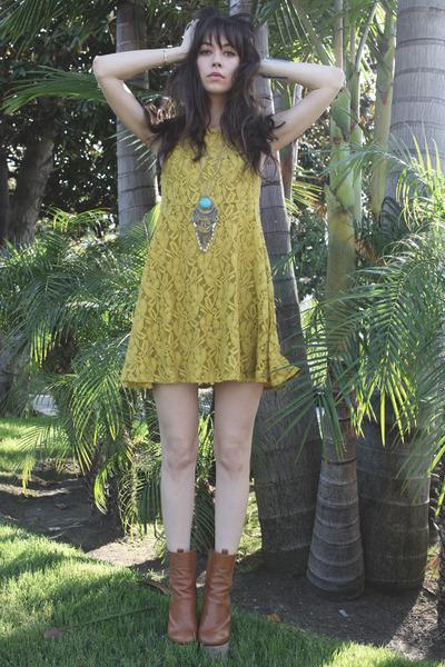 camel Chloe Sevigny x Opening Ceremony boots - mustard free people dress