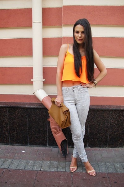 carrot orange Topshop top - ivory River Island jeans - brown Zara bag