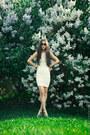 White-zara-dress-white-zara-heels-black-jeepers-peepers-glasses