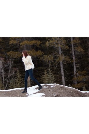 faux fur Forever21 jacket - sam edelman boots - Joes Jeans jeans