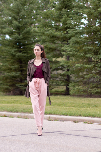 Army-green-cotton-trench-nasty-gal-jacket-pink-joggers-greylin-pants