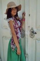 Bershka hat - H&M scarf - Zara skirt - H&M t-shirt