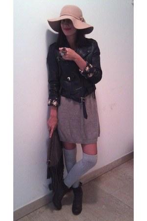 heather gray H&M stockings - dark brown fur deichman boots