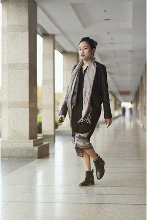 dark gray leather River Island jacket - black cut-out leather Dulla Shoes boots