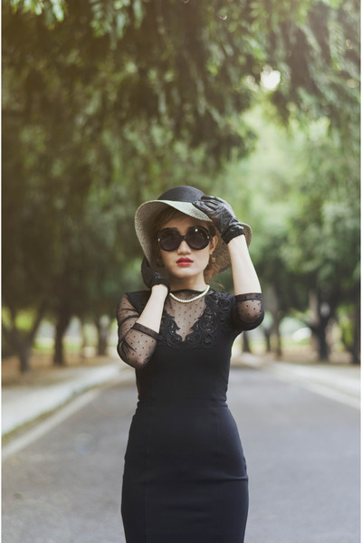 black bodycon lace French Connection dress - black French Connection hat