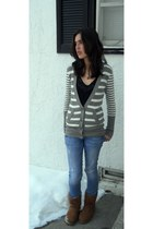light brown Uggs boots - blue Guess jeans - black TJ Maxx top - gray American Ea