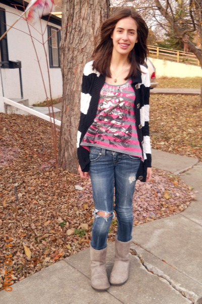 hot pink Guess top - black Guess cardigan - charcoal gray Ugg boots - navy Guess
