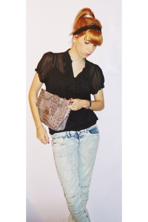 Primark shirt - Bershka pants - Primark purse - Bimba&Lola shoes