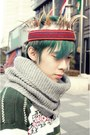 Green-baguio-city-sweater-red-headress-baguio-city-accessories