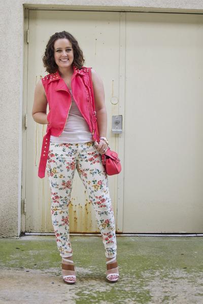 coral studded moto Forever 21 vest - white floral skinny JustFab jeans