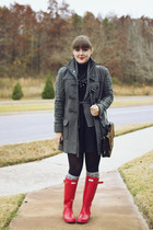 black turtleneck The Limited sweater - red rainboots Hunter boots