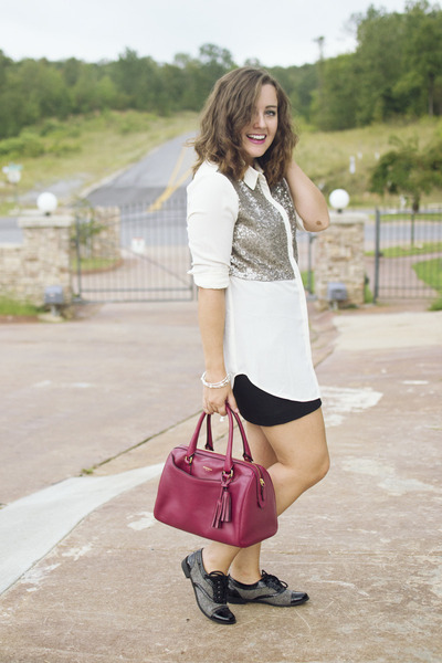 black mini The Limited skirt - ruby red satchel coach bag