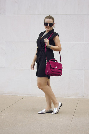 black vest trench Mango dress - magenta suede mesesnger Barbara Bui bag