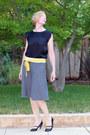 Heather-gray-wool-midi-anthopologie-skirt-black-blouse