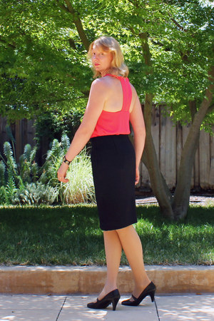 hot pink top - black pencil JCrew skirt - black Aldo heels