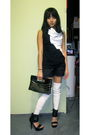 Anna-hovet-shirt-akira-shorts-akira-purse-steve-madden-shoes