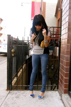gray Akira shirt - blue Akira leggings - blue Melissa shoes