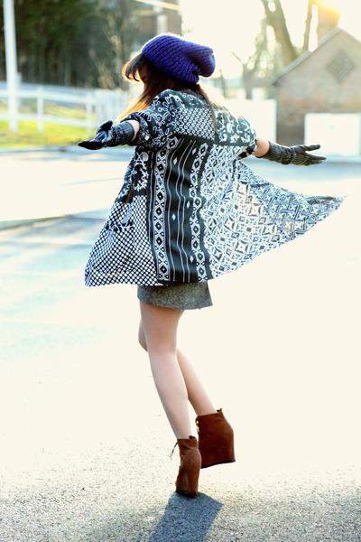 beanie Target hat - mixed print vintage jacket - oxford Target wedges