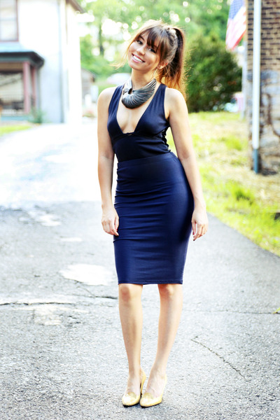 Navy Pencil Skirt - How to Wear and Where to Buy | Chictopia