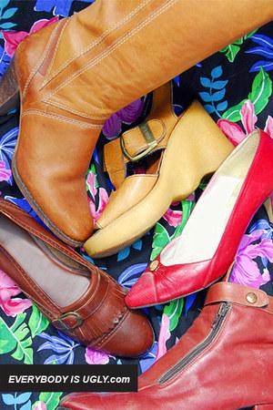 Camel-vintage-shoes