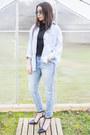 Light-blue-cropped-max-jeans-jeans-light-blue-levis-shirt