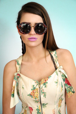 Giant-vintage-sunglasses