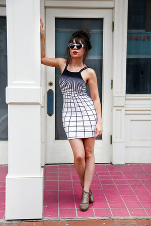 navy grid Motel Rocks dress - navy cat eye Spitfire sunglasses